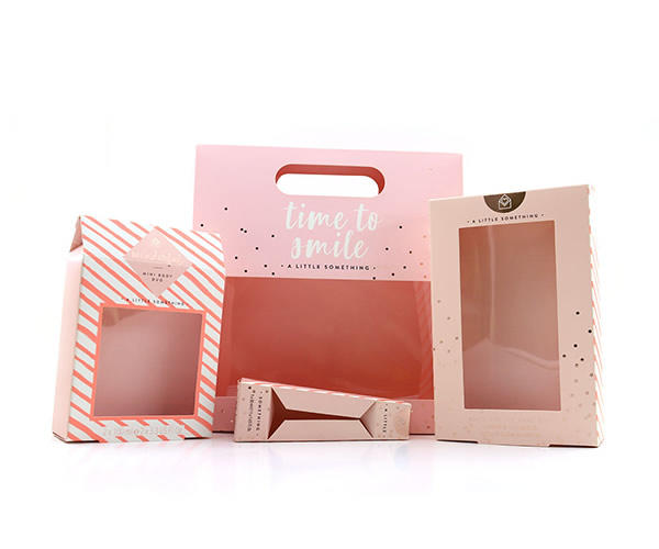 Customized printed PET luxury cosmetic folding packaging box.